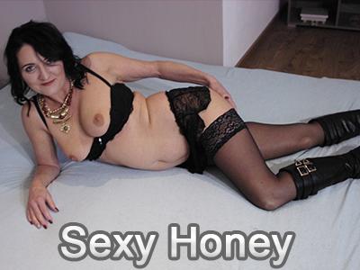 https://amateurporno-club.net/ac/bilder/girls/sexyhoney.jpg